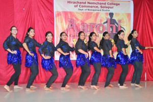 GROUP DANCE AT AAROHI (2)